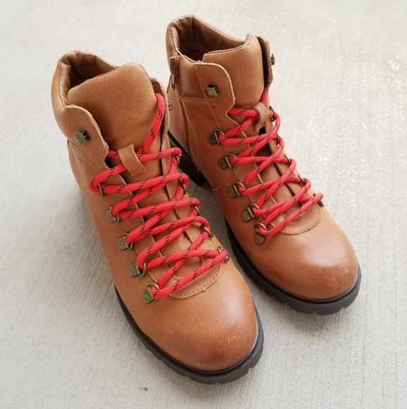 Steve Madden Brown Boots With Red Laces